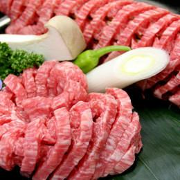 松阪牛ならではの赤身でもあふれる肉汁