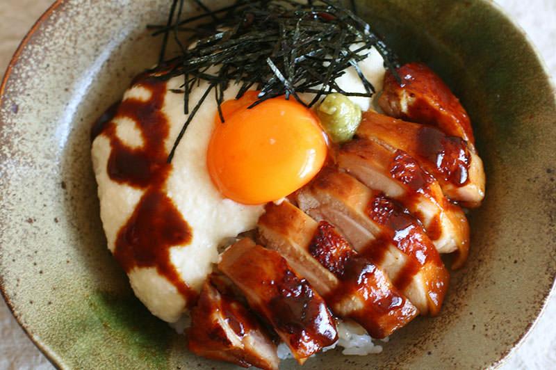山かけ鶏の味噌コンフィ丼