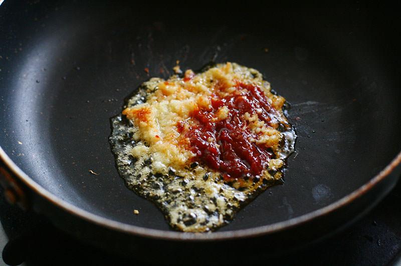 鶏のトマト煮で鶏チリ
