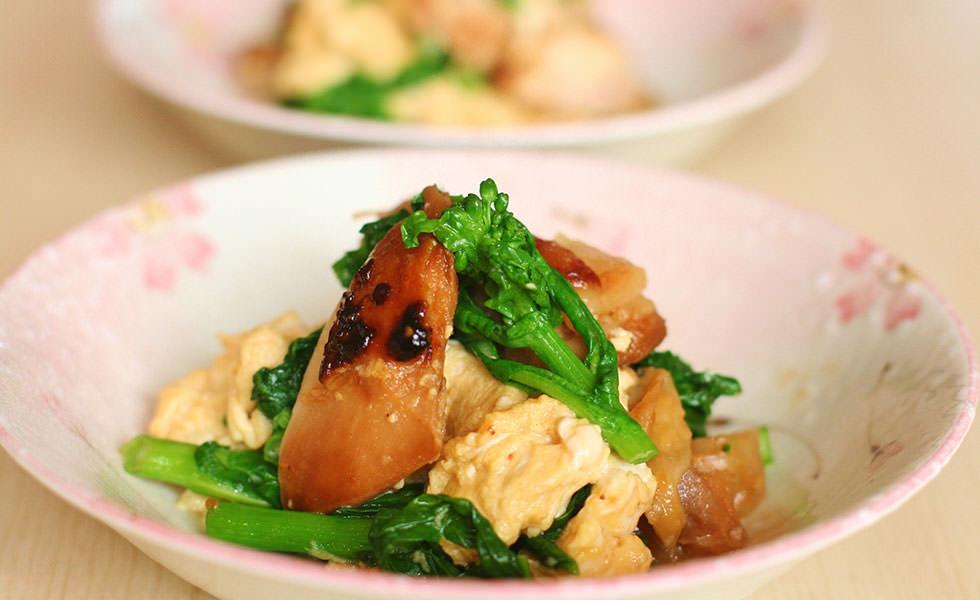 鶏の味噌コンフィと菜の花のふわふわ卵炒め