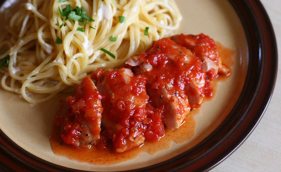 鶏のトマト煮 チーズクリームパスタ添え