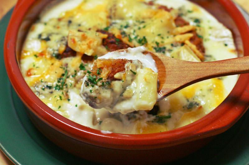 3種のチーズとコロッケのクリーミーグラタン