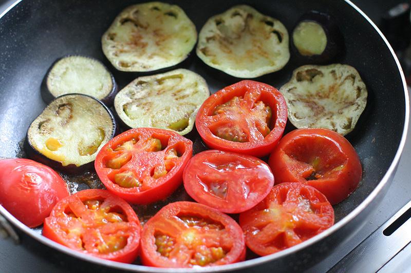 夏野菜のカレーグラタン