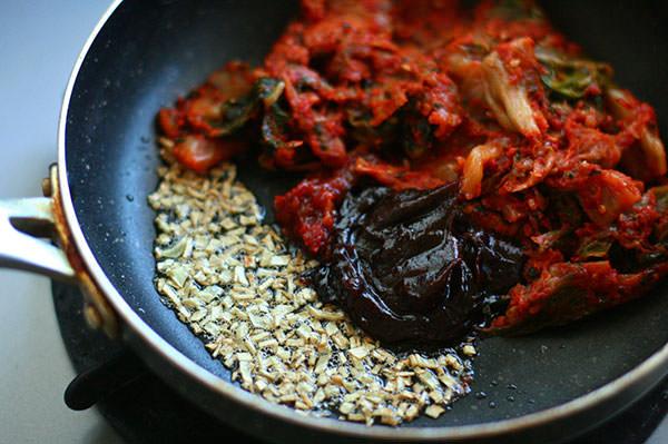 【もつ鍋アレンジレシピ】花椒が香る麻婆風もつ鍋