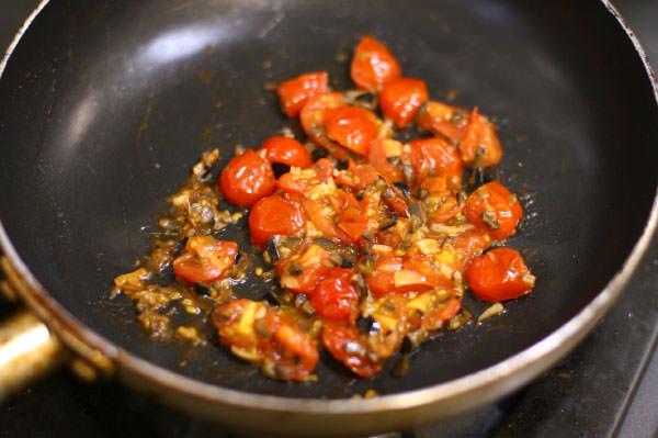 フレッシュトマトソースのメンチカツ