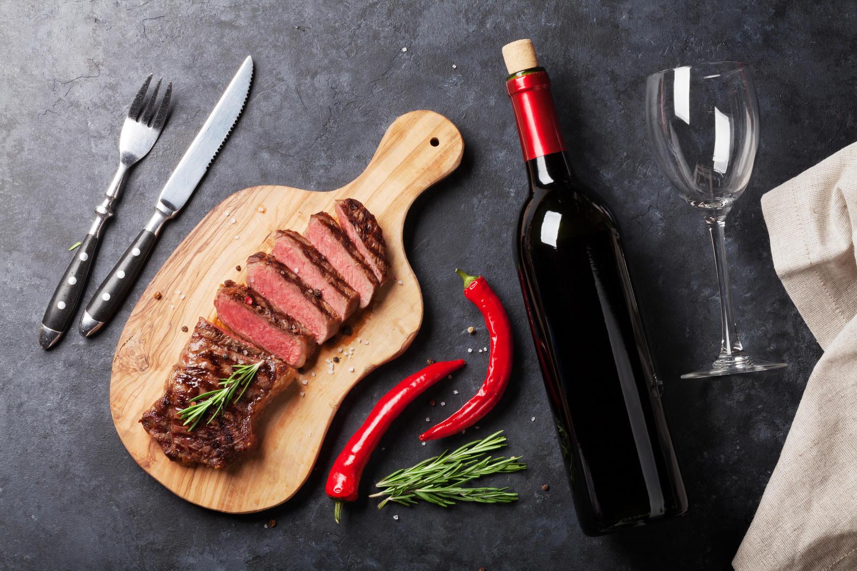 お肉と合わせたい家飲みワインの楽しみ方